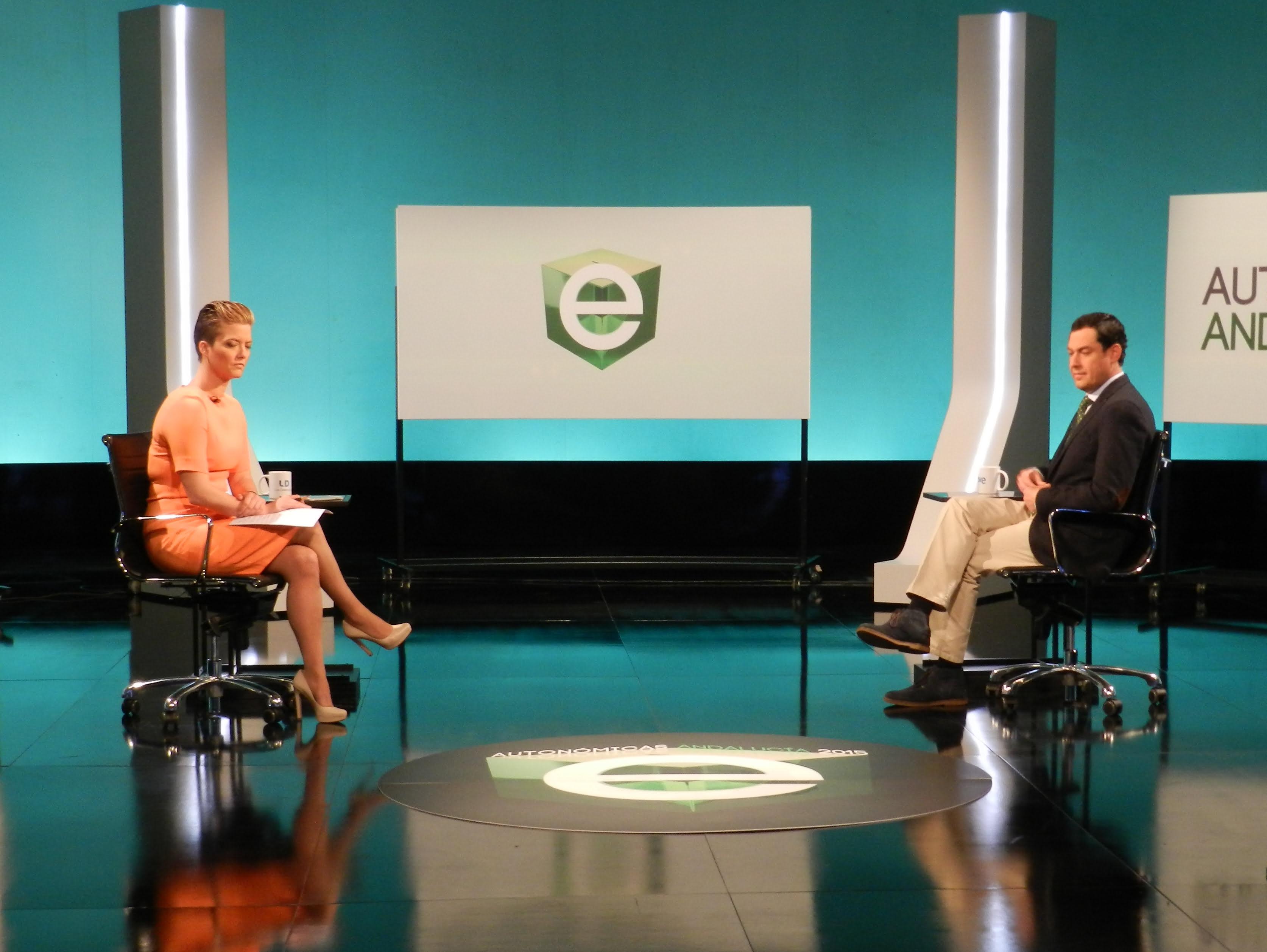 María Casado entrevista al candidato del PP a la Junta de Andalucía en 2015.