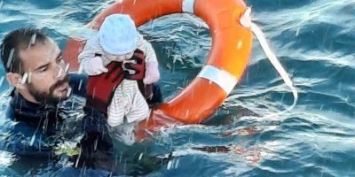 miles de migrantes llegan a Ceuta